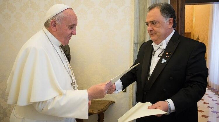 El dirigente peronista en el Vaticano. Fue embajador durante el kirchnerismo (Télam)