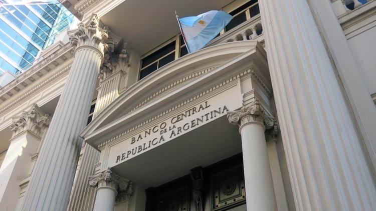 El Banco Central difundió un crítico informe sobre la actividad crediticia de las fintech.