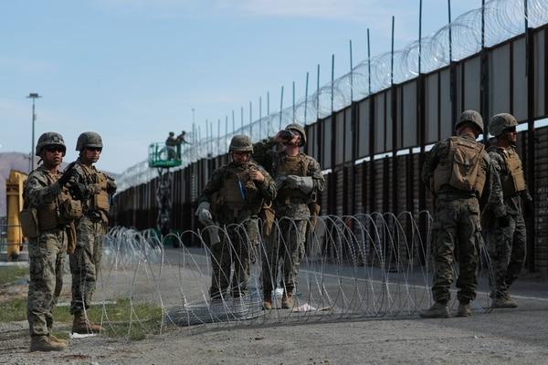 """Resultado de imagen para Comandante del Ejército de EE.UU. no ve como """"enemigos"""" a los migrantes de caravana"""