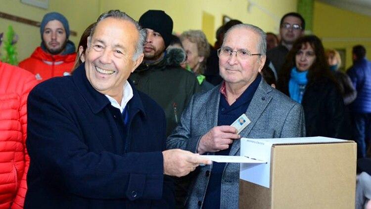 Adolfo Rodríguez Saá votando en Potrero de elos Funes (NA)
