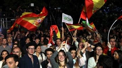 Simpatizantes de Vox, el partido ultraderechista que llegó al congreso(Reuters/ Susana Vera)