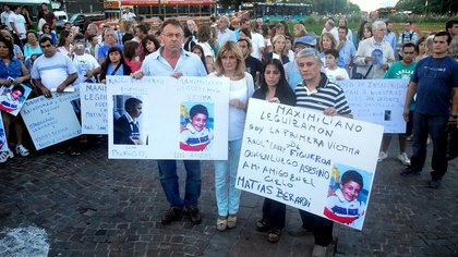Manifestación de familiares de victimas de la inseguridad (foto Nicolás Stulberg)