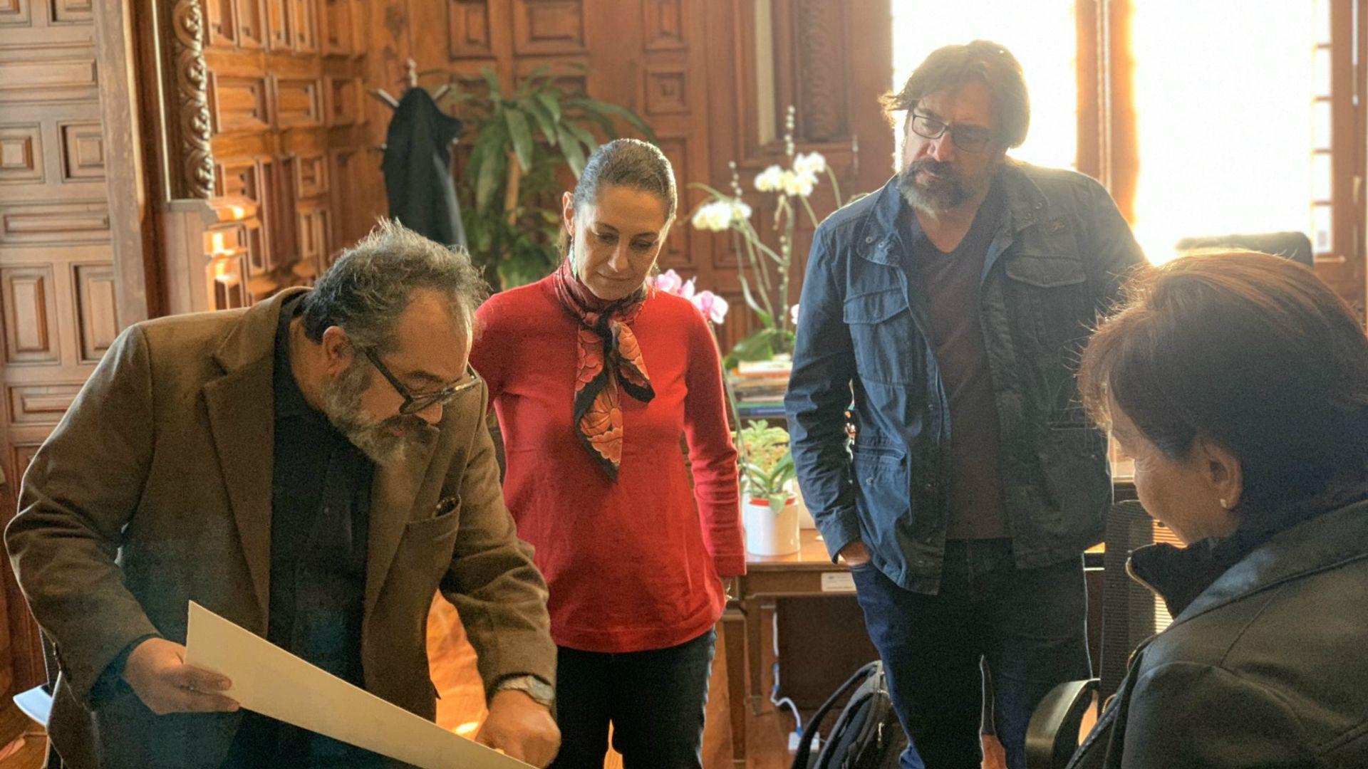 Eugenio Caballero, Claudia Sheinbaum y Javier Bardem se reunieron el pasado diciembre (Foto: Twitter)