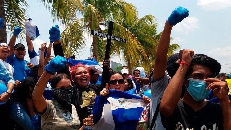 El régimen de Ortega reprimió a feligreses luego del viacrusis en Managua