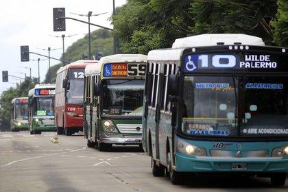 Se limitará el transporte público entre la Ciudad y la Provincia de Buenos Aires (Foto NA: JUAN VARGAS)