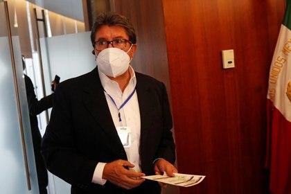 La propuesta de Monreal también considera y detalla las comparecencias de funcionarios a distancia (Foto: Henry Romero/ Reuters)