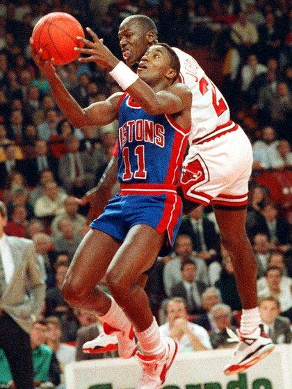 Michael Jordan e Isiah Thomas tuvieron varios duelos apasionantes en los playoffs de la NBA