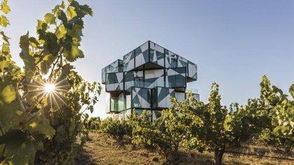 The D'Arenberg Cube, Mc Laren Vale, South Australia (Tourism Australia)