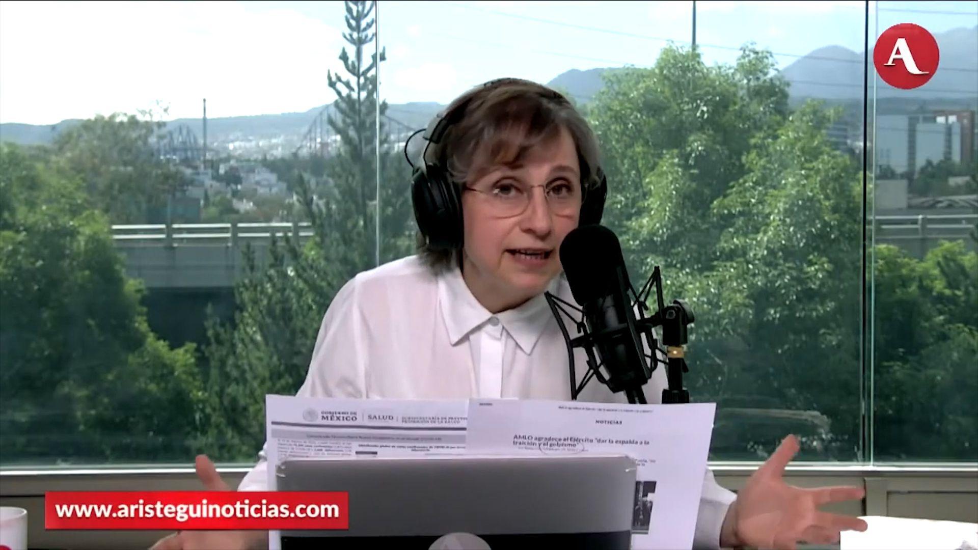 Carmen Aristegui durante una transmisión del programa (Foto: Captura de pantalla/Aristegui Noticias)