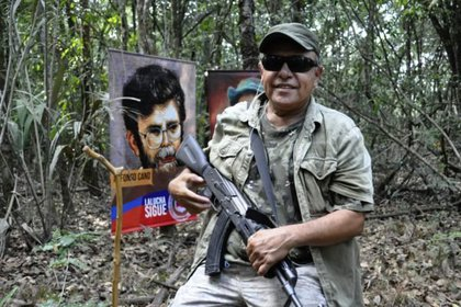 """Jesús Santrich, a repeat offender of the FARC and one of the leaders of the Second Marquetalia, in a recent photo shared from the """"mountains"""" Colombian.  Source: Latin American Summary"""