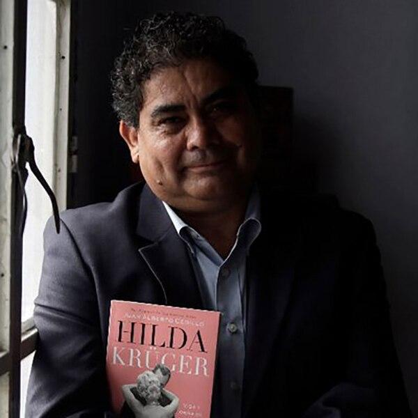 El escritor Juan Alberto Cedillo tuvo acceso a los informes de la mujer en México y Estados Unidos