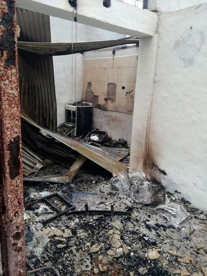 Postal de los destrozos causados por las llamas
