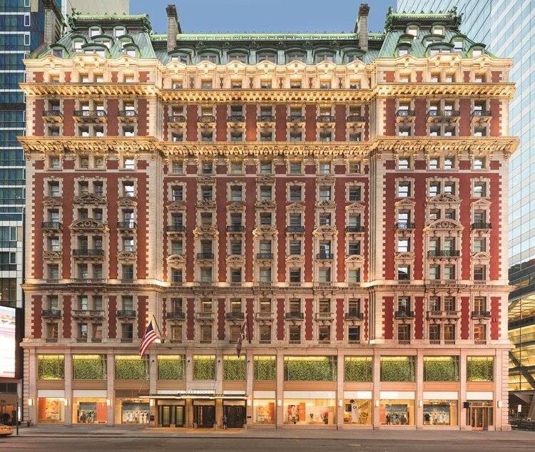 La imponente fachada del Knickerbocker ubicada en la 42st y Broadway (Links WorldGroup)