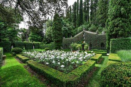 Valentino Garavani(87) ha sido propietario de la mansión junto con su pareja Giancarlo Giammetti durante los últimos 33 años