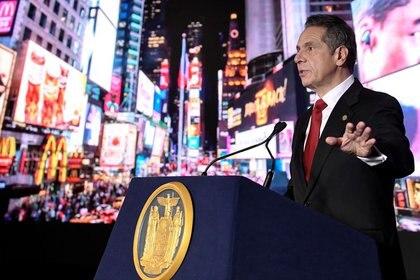 IMAGEN DE ARCHIVO. El gobernador de Nueva York, Andrew Cuomo, durante su discurso virtual sobre el estado, en el Capitolio estatal en Albany, Nueva York, EEUU. Enero 11, 2021.  Hans Pennink/Pool vía REUTERS