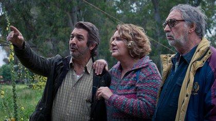 """Ricardo Darín, Verónica Llinás y Luis Brandoni en """"La odisea de los giles"""""""