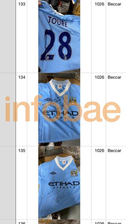 Dos camisetas del City, gentileza del Kun Agüero y una de Yaya Touré