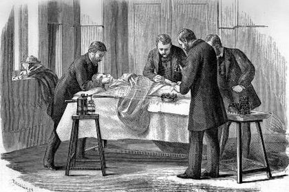 Después de realizar una necropsis, los médicos atendían a las parturientas sin lavarse las manos (wikipedia)