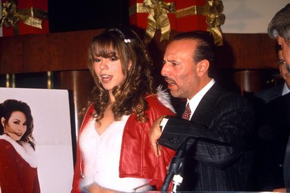 Mariah Carey con Tommy Mottola en 1994. La pareja estuvo unida de 1993 a 1997 (Crédito: Shutterstock)