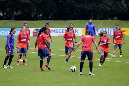 Archive image of the players of the Colombian women's soccer team in Bogotá (Colombia). . EFE / Leonardo Muñoz / Archive