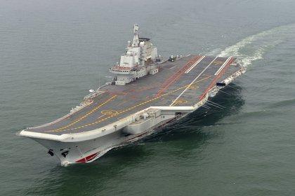 El portaaviones chino Liaoning fue visto en el canal de la isla Okinawa (AP)