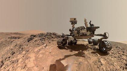 Hoy Marte es recorrido por dos robots de la NASA