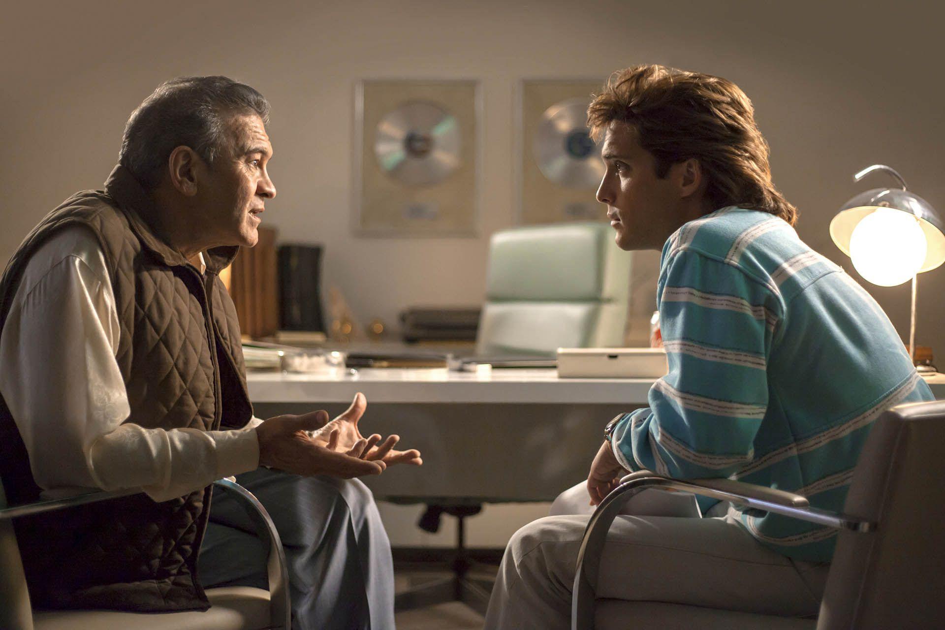 Durante la segunda temporada de la producción de Netflix, se abordará el momento en el que Luis Miguel se entera de la enfermedad de su mánager y amigo, Hugo López (Foto: Netflix)