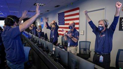 Festejos de los científicos de la misión MARS 2020 en el JPL  (NASA/Bill Ingalls/Handout via REUTERS