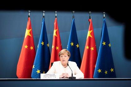 La canciller alemana, Angela Merkel, también participó de la conferencia con el presidente chino Xi Jinping (Bundesregierung/Steffen Kugler/Handout via REUTERS)
