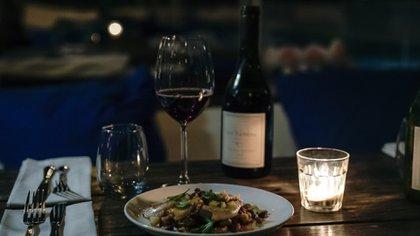 Los platos que sirvieron en la cena que comandaron los chefs Damian Gianmarino y Gaspar Natiello fueron acompañados por distintas etiquetas de la Bodega Catena Zapata