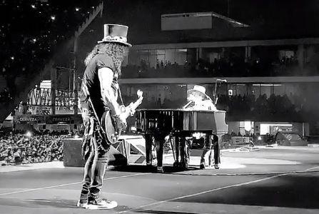 Slash y Axl Rose fueron los protagonistas del concierto y de toda la jornada del festival Vive Latino (IG: gunsnroses)