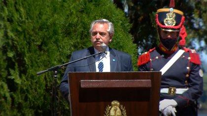 """Alberto Fernández volvió a apuntar contra los medios por las vacunas VIP: """"Nos enredan en debates que no son lo importante"""""""