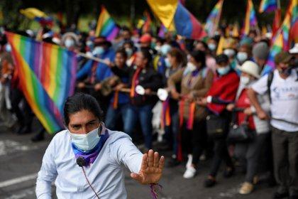 Yaku Perez liderando una marcha hacia Quito