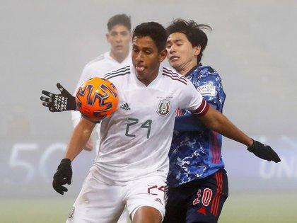Luis Romo jugó los noventa minutos del encuentro entre México y Japón (Foto: Leonhard Foeger/ Reuters)