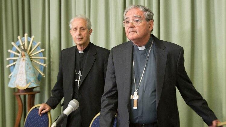 Monseñor Poli y el presidente de la Conferencia Episcopal monseñor Ojea. FOTO NA DANIEL VIDES
