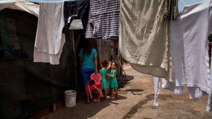 """El Fondo de Población de Naciones Unidas afirmó que existen varias """"alarmas"""" sobre desigualdades de género y otras """"prácticas nocivas"""" en el país (EFE)"""