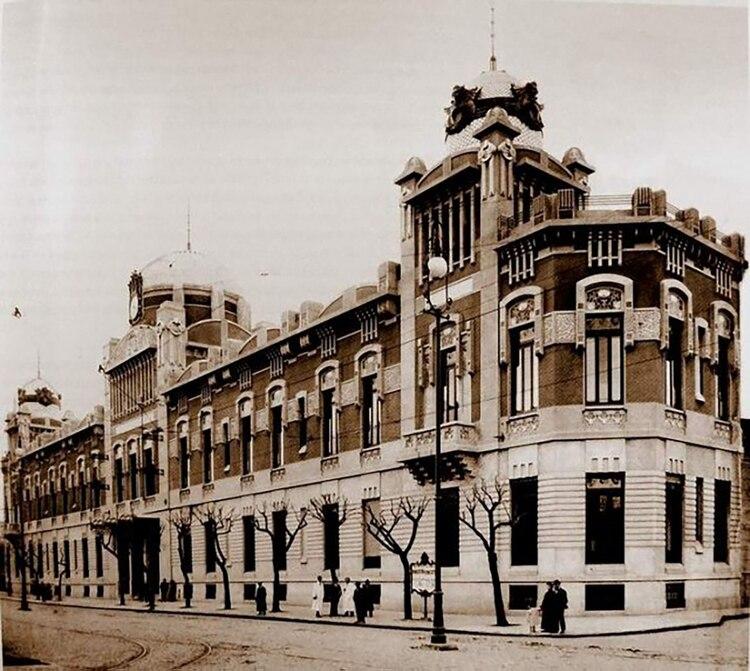 Significó la primera y más importante obra de Julián Jaime García Núñez, el arquitecto predilecto de la colectividad española en Argentina y el mayor exponente del modernismo catalán en Buenos Aires