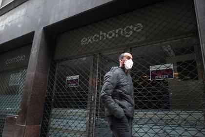 El gobierno porteño anunció una restricción de circulación en los centros comerciales más transitados (REUTERS/Agustin Marcarian)