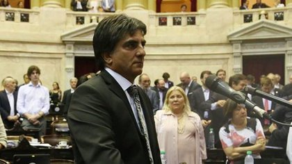 La Coalición Cívica presentó el proyecto para suspender al diputado Juan Benedicto Vázquez.