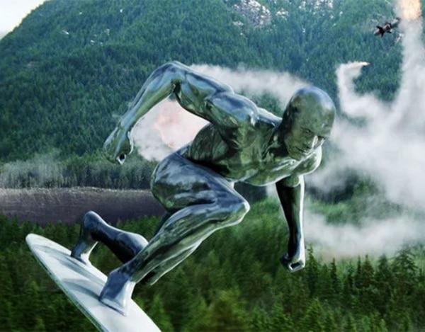 """Como Silver Surfer en """"Los Cuatro Fantásticos"""""""
