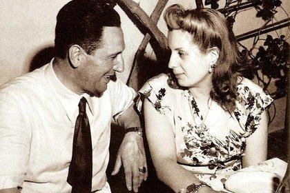 """El día clave en sus vidas fue el 22 de enero de 1944. Eva recordó frente al coronel Mercante: """"¿Se acuerda cuando en el Luna Park me llevó de la mano para hacerme sentar al lado de Perón? ¡Ay, el miedo que tenía! Y usted, mire que estuvo inspirado, ¿eh?"""""""