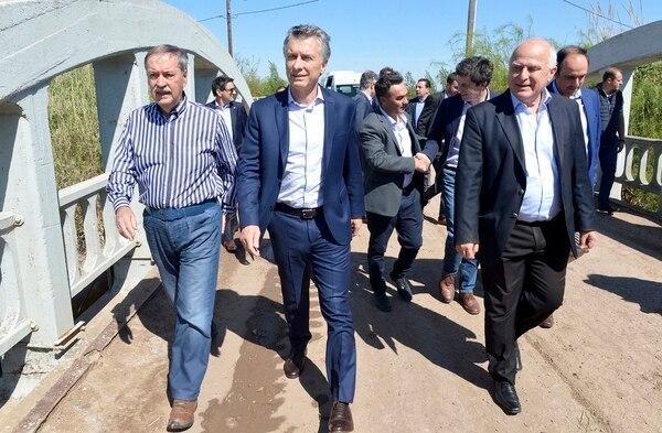 Mauricio Macri durante una recorrida en Santa Fe