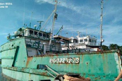 Las embarcaciones serán parte de la subasta de bienes en Los Pinos
