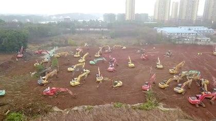 Vista aérea de la construcción de un hospital en Wuhan