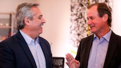 El gobernador Gustavo Bordet, junto al presidente Alberto Fernández