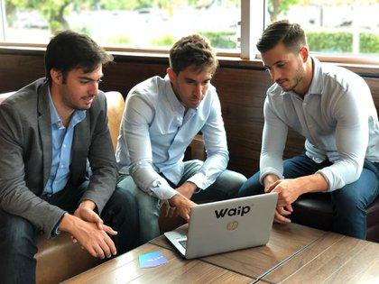 Gastón Abramoff, Ariel Abramoff y Alexis Kovacic, fundadores de Waip