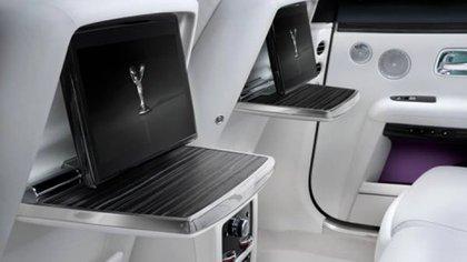 Ofrece sistemas multimedia de última generación y un equipo de audio con 18 parlantes y 1.300 watts de potencia.