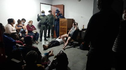 En el Urabá, en la frontera con Panamá, se ha vuelto común que las autoridades tengan atender a los migrantes a Estados Unidos que son víctimas de trafico para cumplir el sueño americano.  Foto: Departamento de Policía de Urabá