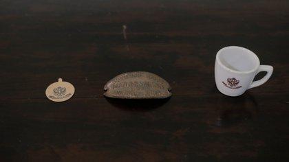Parte de la vajilla y objetos que aun se conservan