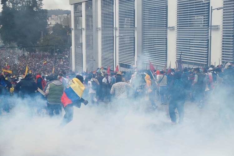 Las protestas en Ecuador se dan desde la semana pasada (REUTERS/Carlos Garcia Rawlins)
